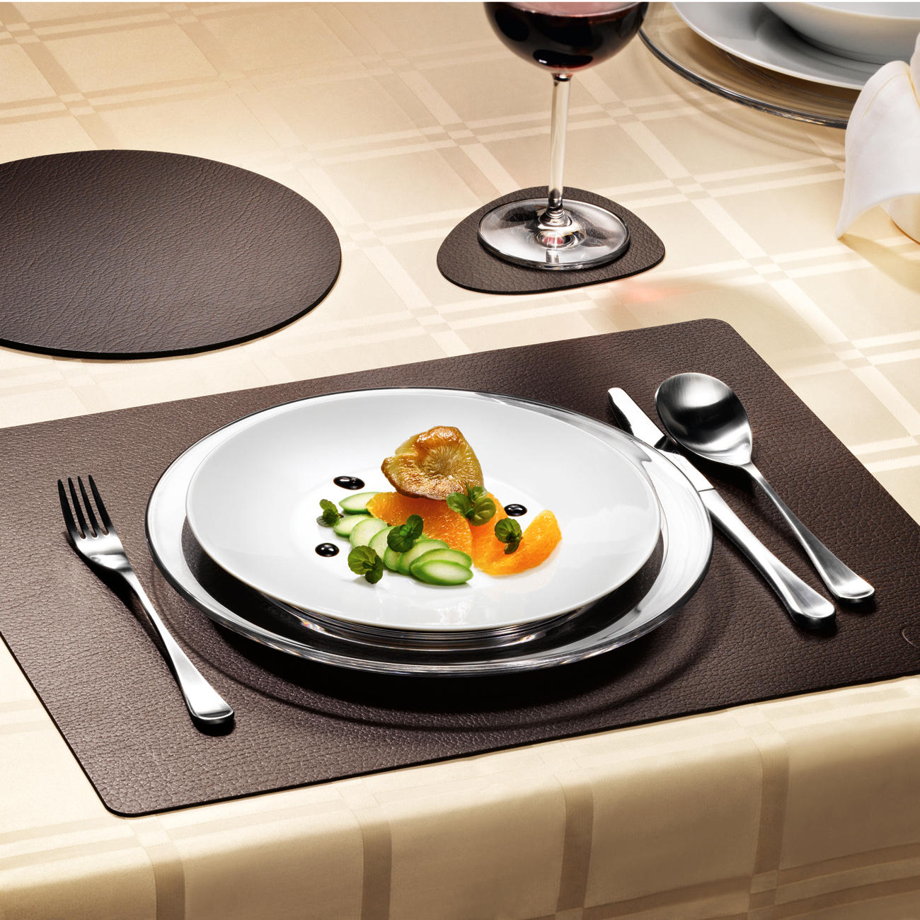 lind dna tablemat tischset oval wendbar schwarz. Black Bedroom Furniture Sets. Home Design Ideas