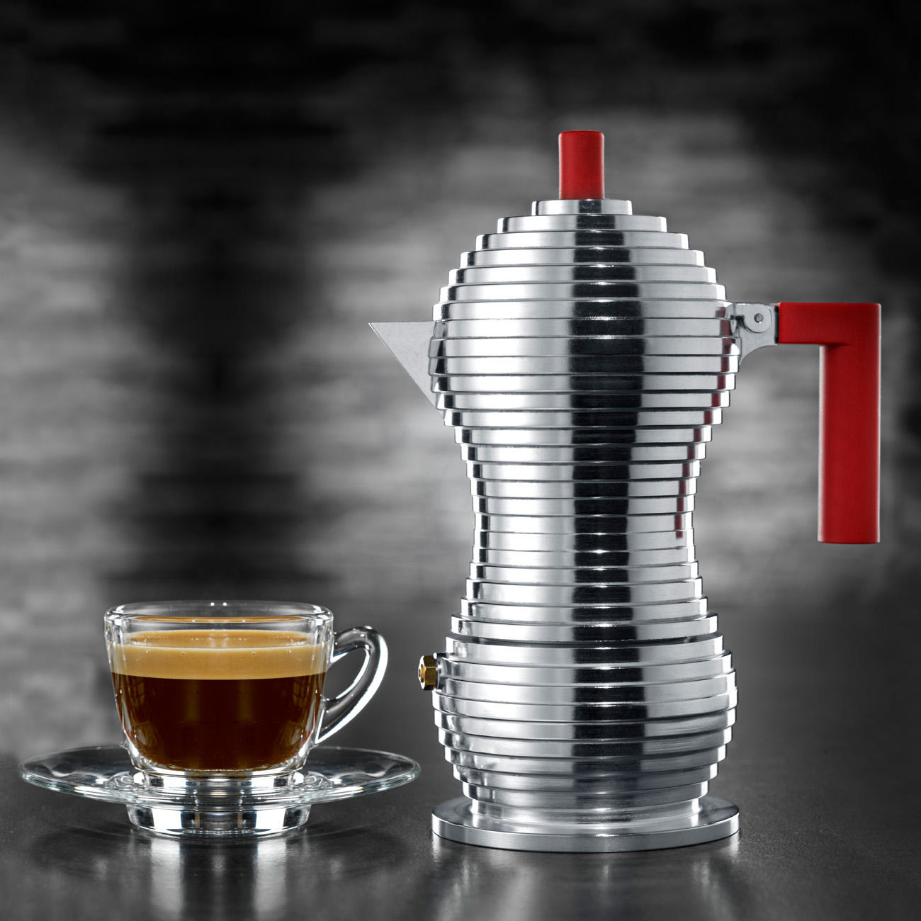 alessi espressokocher pulcina f r 1 tasse 70 ml aluminium rot 7 5 cm durchmesser 16 5 cm h. Black Bedroom Furniture Sets. Home Design Ideas