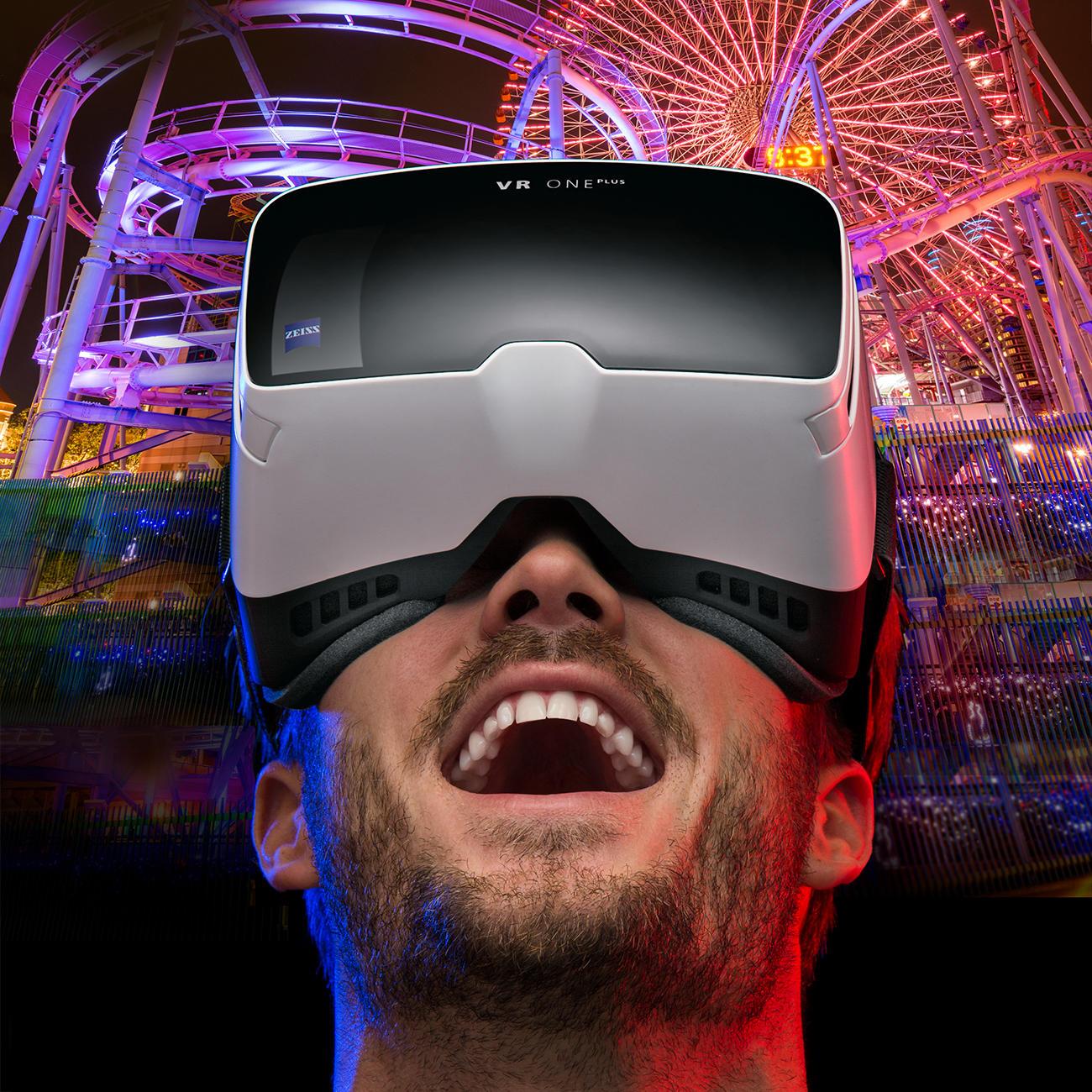 ZEISS VR ONE Plus Brille inkl. Handyslot Das bessere 3D-Erlebnis: Headtracking und 100°-Sichtfeld (statt oft nur 45°).