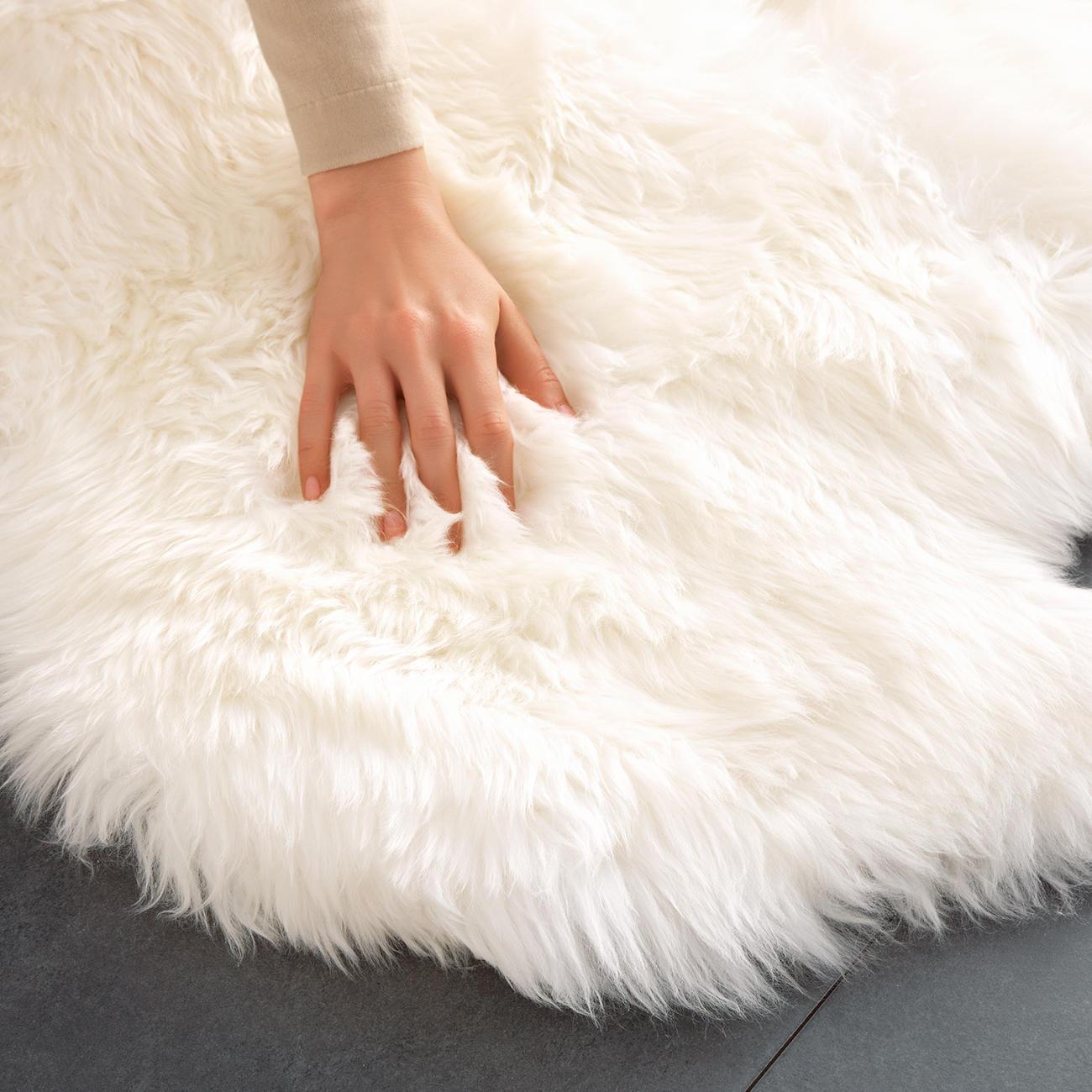 Lammfell teppich   160 x 100 cm groß und sogar maschinenwaschbar