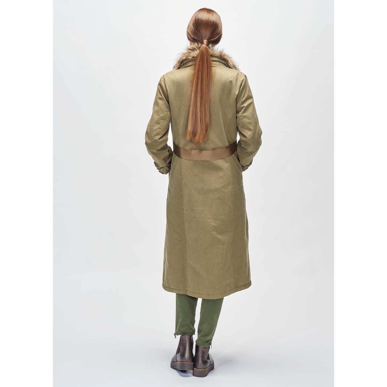 f8d4468a66ba Pinko Parka-Mantel - Neue Länge, noch mehr Styles  Der luxuriöse Parka- Mantel von Pinko.