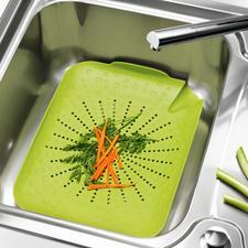 BRIX-Küchenspülen-Sieb - Alles in die Spüle – und mit einem Griff wieder heraus. Ihre Hände – und Ihre Küche – bleiben sauber.