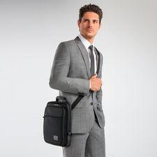 Victorinox Tablet-Tasche - Tablet-PC und Zubehör griffbereit geordnet und sicher transportiert. Von Gepäck-Spezialist Victorinox/Schweiz.