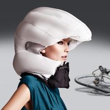 Hövding Airbag-Fahrradhelm 2.0 - Der wohl sicherste (und attraktivste) Schutz vor Kopfverletzungen, den es gibt.