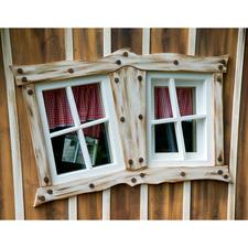 "Zauberhaft ""windschiefe"" Fenster (Modell ""Lieblingsplatz"" in Brown Ceruse)."