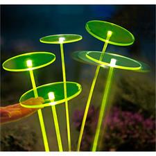 Swing Lights, Grün, 1 Stück - Netzunabhängige LED-Solartechnik lässt die fluoreszierenden Scheiben und Schwingstäbe geheimnisvoll leuchten.