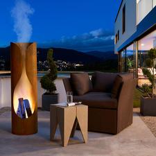 Mit prasselndem Feuer und der sich durch Wärme verfärbenden Außenhaut besonders eindrucksvoll auch bei Dunkelheit.