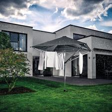 Leifheit Wäschespinne LinoProtect 400 - Genial: 40 m Freiluft-Wäscheleine mit Dach. Schützt Ihre Wäsche vor Regenschauern und bleichenden UV-Strahlen.