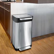 Abfalleimer mit Verdichtungssystem - Fasst bis zu 3-mal so viel Haushaltsmüll wie andere mit gleichem Volumen.