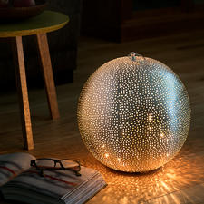 Orientalische Leuchtkugel - Aus aufwändig handperforiertem Metall. Hunderte handgefräster Löcher verzaubern die silbrige Kugel.