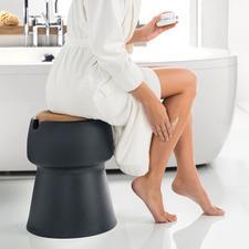Ideal auch als schnelle Sitzmöglichkeit beim Ankleiden im Bad.