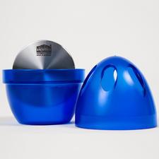 Einfach Deckel abnehmen und bis zur Hälfte mit Wasser füllen – unangenehme Gerüche werden neutralisiert statt überdeckt.