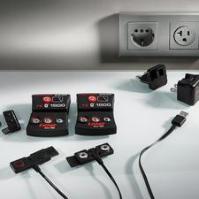 Separat erhältlich: Akku-Packs (rcB 1.200/rcB 1.800) inkl. Wechsel-Stecker für 100–240Volt und USB-Kabel für internationalen Einsatz.