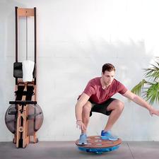 Erhöhen Sie den Schwierigkeitsgrad mit Übungen im Knien, Sitzen, Liegen, ...