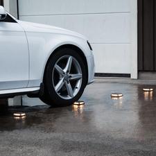 Solar-Bodenleuchte Driveway, 4er-Set - Ohne Kabelverlegen und Steckdose. Begeh- und befahrbar bis zu 3 Tonnen Gewicht.