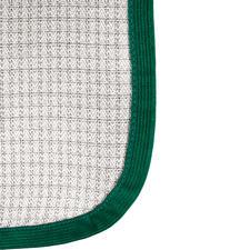 Die netzförmig eingewebte Schutzfaser BD 1 kann mehr als 99 % der auftreffenden Funkstrahlung* abschirmen.