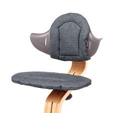 Das Kissen-Set sorgt für optimalen Sitzkomfort.