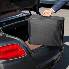 Platzsparend in der mitgelieferten Aufbewahrungstasche im Kofferraum zu verstauen.