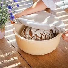 Keramik-Brottopf CeraNatur® - Atmungsaktive CeraNatur®-Keramik hält Ihr Brot länger frisch. Und verringert die Schimmelgefahr. Gut belüftet und vor Kondenswasser geschützt lagern Brot und Gebäck optimal.