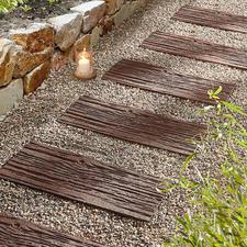 Recycling-Trittplatte, 4er-Set - Leichter als echte Steine. Langlebiger als Holz: Die Trittplatten aus recycelten Autoreifen.