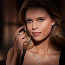Diamantring, -Ohrstecker oder -Kette Illusion-Setting - Prachtvolle, echte Diamanten. Funkelnd wie ein 1-Karäter – zum Bruchteil des Preises.