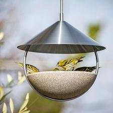 Hänge-Vogeltränke Luca - Schönstes italienisches Design: die freihängende Vogeltränke aus Granicium®.