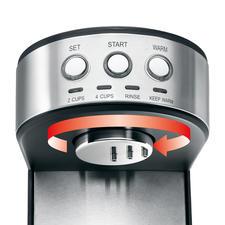 Der rotierende Brühkopf benässt das Kaffeepulver gleichmäßig und sorgsam: so können sich die Aroma-und Inhaltsstoffe optimal entfalten.