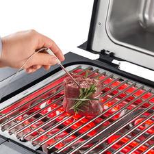 Mit dem integrierten Grill-Thermometer treffen Sie immer den idealen Garpunkt.