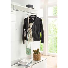 Hängehaken - Nur einhängen – schon fertig: der Garderobenhänger aus unbehandeltem Ahornholz. Sieben Holzhaken und einer aus Edelstahl sorgen für 8-fache Kapazität.