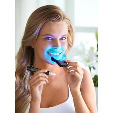 SmilePenPowerWhitening-Kit - Bis zu 70 % weißere Zähne in 7 Tagen. Durch professionelles Bleaching-Gel unterstützt von einer kabellosen High-Power LED-Schiene.