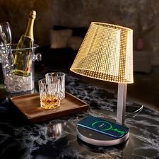 MagischeDesign-Tischleuchte - Wie von Zauberhand: scheinbar schwebende Lichtpunkte beleuchten Ihr Ambiente stimmungsvoll und genau nach Wunsch.