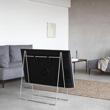 TV-StänderCarry - Wie auf einer Staffelei fixiert, wird Ihr Flachbildschirm zum stylishen Kunstobjekt.