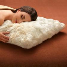 Ohne Lanolin (wie sehr häufig in Wolle) ist Alpaka selbst für Allergiker geeignet.