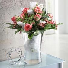 Oder nehmen Sie den Einsatz heraus – und ihre Vase hat  die genau richtige, leicht geschwungene Form für volumige Sträuße.