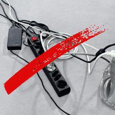 Schluss mit Kabelwirrwarr und offen liegenden Mehrfachsteckdosen.