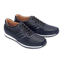 Lagerfeld Kalbleder-Sneakers - Modische Materialmix-Optik und doch ganz aus luxuriösem Kalbleder: Der Designer-Sneaker von Lagerfeld.