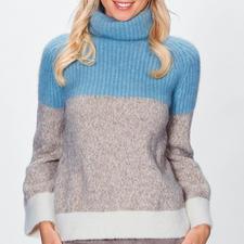Stefanel Grobstrick-Pullover - Fashion hoch fünf: Kastenform. Grobstrick-Rippen. Eisblau. Offwhite. Trompetenärmel. Italienischer Trend-Strick von Stefanel.