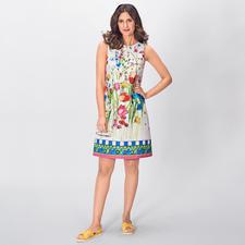 Blugirl Ethno-Flower-Dress - Blumentrend perfekt interpretiert. On top: angesagte Ethno-Elemente. Flower-Spezialist Blugirl hat das Sommerkleid 2019.