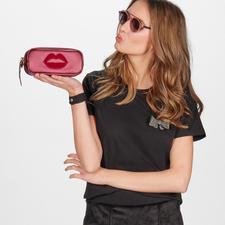 Pinko Basic-Shirt mit Brosche - Sports Couture-Trend: in elegantem Schwarz, aus feinem Cotton-Jersey und mit edler Schmuck-Brosche.