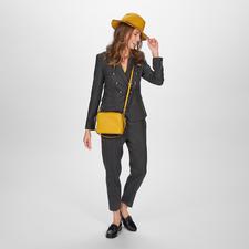 Pinko Karo-Anzughose oder -Blazer - Pinkos Hosenanzug-Kreation schafft eine selten perfekte Balance: maskuline Optik & figurbetonter, feminin-eleganter Schnitt.