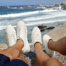 Swims Wash&Wet-Sneaker - Der immer saubere unter den weißen Sneakern. Maschinenwaschbar. Salzwasserfest. Schnell trocknend. Von Swims.