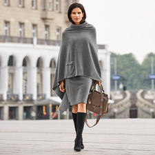 Henriette Steffensen Fleece-Poncho oder -Rock - Die feminine Art Fleece zu tragen. Skandinavisches Design made in Kopenhagen.