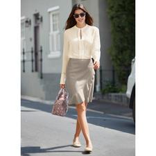 SLY010 Couture-Schlupfbluse - Luxuriöse Stretchseide. Cleaner, couturiger Schnitt. Edles Cremeweiß.