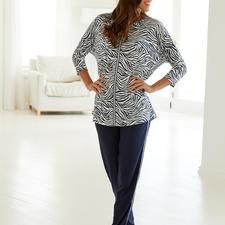 """Hutschreuther Pyjama """"Blue Zebra"""" - Modischer als die meisten Pyjamas. Oversize-Schnitt. Animal-Print. Galonstreifen."""