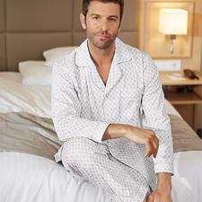 Ambassador Gentleman-Pyjama - Selten geworden: der elegante, helle Gentleman-Pyjama.
