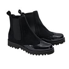 Casanova Chelsea-Boots - Femininer Leisten. Feinstes Ziegenvelours. Budapester-Optik. Lack-Spitze. Zudem noch ultraleicht.