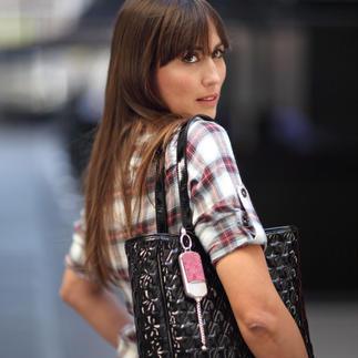 Sicherheitsanhänger ila DUSK Stylischer Handtaschen-Schmuck. Und im Notfall sofort griffbereite Alarmsirene.