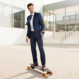 E-Go Elektro-Longboard Cool per Fernbedienung oder iPhone gesteuert. Macht Riesenspaß und bringt Sie schnell voran.