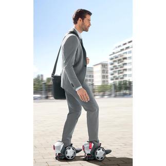 RocketSkates Rollschuhe - aber elektrisch. Genial cooler Fahrspaß - mit bis zu 19 km/h Spitzengeschwindigkeit.