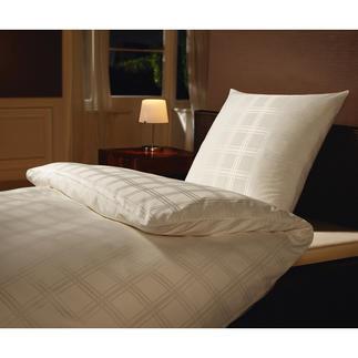 Microfaser-Damastbettwäsche Umhüllt Sie seidenzart, mit optimalem Schlafklima.